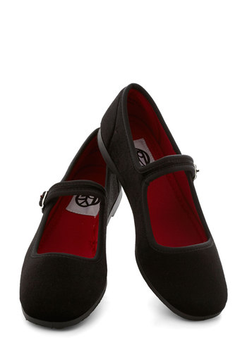 Pot-luxe Dinner Flat in Black - Flat, Black, Solid, Good, Scholastic/Collegiate, Mary Jane, Variation
