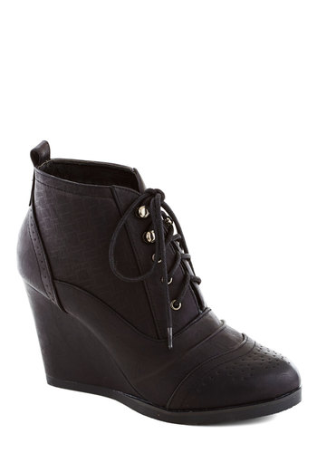 Fashion Finder Bootie in Noir - Mid, Faux Leather, Black, Solid, Menswear Inspired, Good, Platform, Wedge, Lace Up, Variation