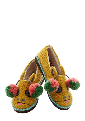 For Feet's Sake Slippers in Giraffe - Flat, Knit, Yellow, Print with Animals, Poms, Quirky, Critters, Good, Multi