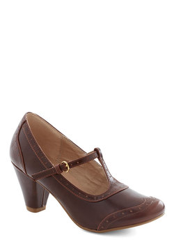 Gallery Opener Heel in Chocolate