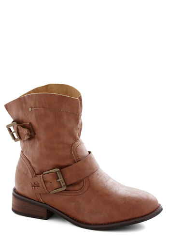 Cliff Hanger Boot - Low, Faux Leather, Brown, Solid, Buckles, Good