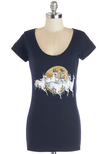 Graceful Gallop Tee - Blue, Print with Animals, Casual, Short Sleeves, Good, Blue, Short Sleeve, Cotton, Knit, Mid-length, Scoop