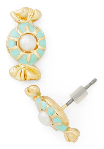 Chic Confections Earrings - Mint, White, Solid, Gold, Good, Pearls, Pastel, Quirky