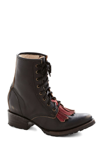 Glasgow with the Flow Boot - Black, Red, Fringed, Steampunk, Low, Best, Lace Up, Leather