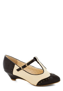 Care to Dance? Wedge in Black