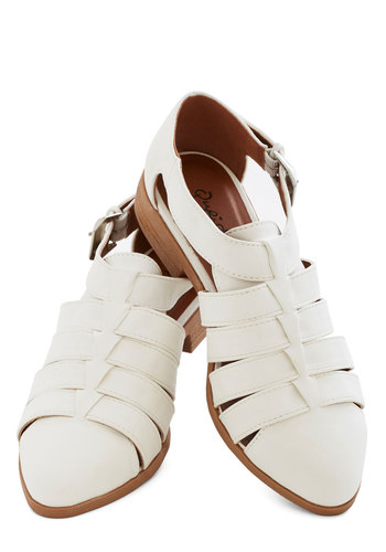 First Blooms Flat - Low, Faux Leather, White, Solid, Cutout, Beach/Resort, Good, Casual