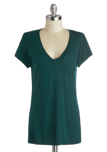 Simply Styled Top in Alpine Green - Good, Green, Short Sleeve, Jersey, Knit, Mid-length, Green, Solid, Pockets, Casual, Short Sleeves, Variation, Basic, V Neck, Spring