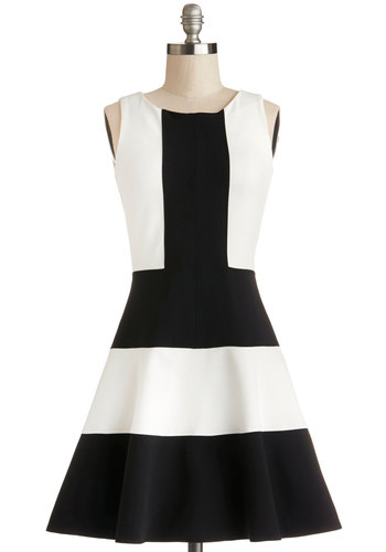 Prized Panelist Dress by Closet London - Knit, Mid-length, Black, White, Party, A-line, Sleeveless, Better, Exposed zipper, Colorblocking