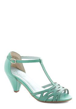 Everybody Dance Heel in Aqua