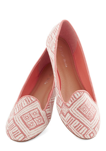 Resort Talent Show Flat - Flat, Woven, White, Print, Menswear Inspired, Good, Pink, Casual