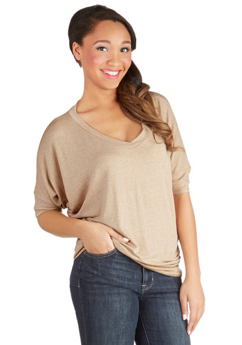 Solid Style Top - Knit, Mid-length, Tan, Solid, Short Sleeves, Good, V Neck, Brown, Short Sleeve, Casual, Minimal, Basic, Spring