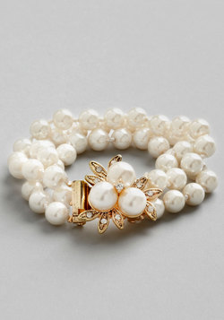 Give it a Pearl Bracelet