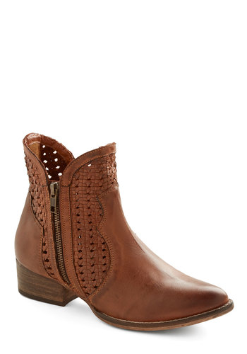 Flip a Coin Boot by Seychelles - Low, Leather, Brown, Solid, Exposed zipper, Woven, Best, Casual, Festival