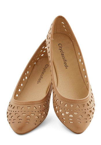 Skip to My Loom Flat - Flat, Faux Leather, Tan, Solid, Cutout, Good, Casual