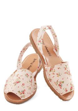 Santa Harmonica Sandal in Blossoms