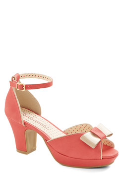 Bowed and Boating Heel in Grapefruit