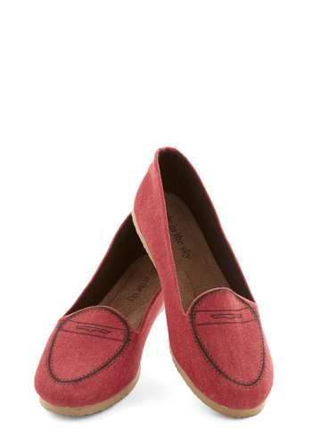 Graduate Assistant Flat - Red, Menswear Inspired, Good, Flat, Woven