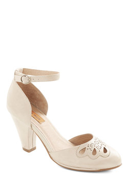 Petal to the Plaza Heel in Beige