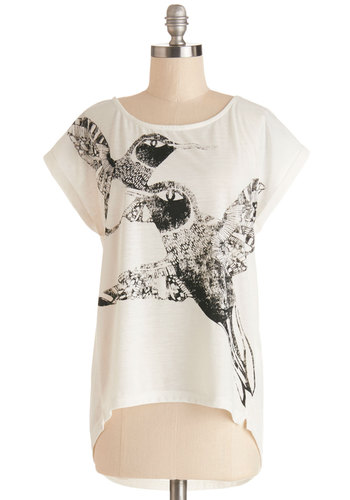 Humming and Going Top - Knit, Mid-length, White, Black, Print with Animals, Casual, Short Sleeves, Spring, Good, White, Short Sleeve, Critters, Summer
