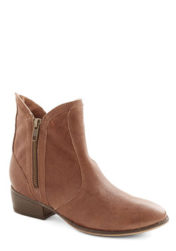 Lucky Penny Boot in Cognac Leather