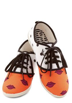 Quirk It Sneaker in Lips