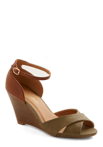 Fete in the Forest Wedge - Mid, Faux Leather, Solid, Daytime Party, Good, Wedge, Green