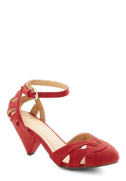 Currant Scones Heel in Red