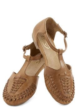 Cayenne Sandal in Caramel