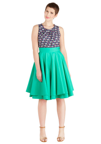 Essential Elegance Skirt in Kelly Green - Green, Solid, Daytime Party, Tiered, Variation, Basic, Best Seller, Exclusives, Green, 50s, High Waist, Full, Spring, Summer, Better, Long