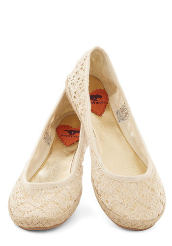 Jute the Breeze Flat in Natural - Flat, Woven, Cream, Solid, Crochet, Casual, Spring, Summer, Variation