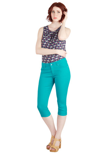 Right on Cue Capri Pants in Teal - Solid, Pockets, Casual, Cropped, Skinny, Spring, Summer, Good, Mid-Rise, Capri, Green, Non-Denim, Blue, Pinup, Fruits, Americana