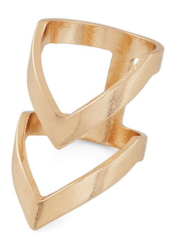 Put a Ring Chevron It! Ring in Gold