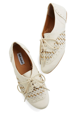 Sprinkling of Shimmer Flat in Cream - Flat, Leather, Cream, Solid, Woven, Casual, Spring, Summer, Good, Lace Up, Variation