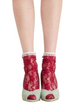 Lithe Is But a Dream Socks in Fuschia