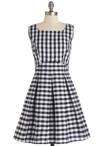 In Cheerful Swing Dress - Black, White, Checkered / Gingham, Casual, Sundress, A-line, Sleeveless, Good, Woven, Cotton, Short, Exposed zipper, Pleats, Scoop, Spring, Americana, Top Rated
