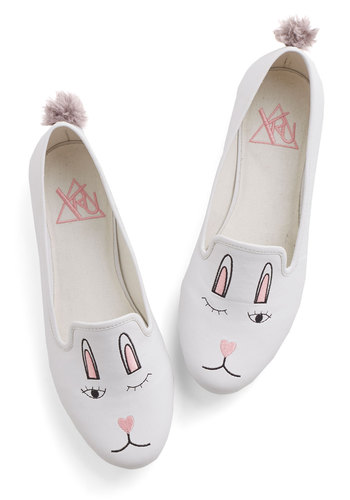 Ooh Bunny, Bunny Flat - White, Print with Animals, Poms, Casual, Quirky, Critters, Better, Flat