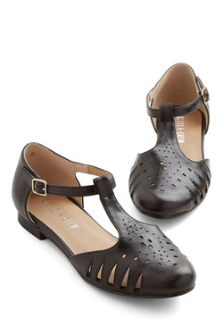 Chic to the Next Level Flat in Black