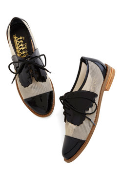 New Arrivals - Monarch de Triomphe Flat in Black