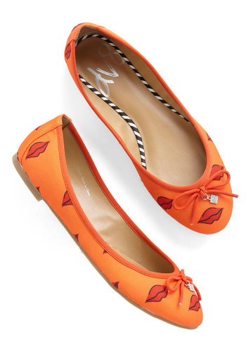 D.C. by Day Flat in Lips by Dolce Vita - Flat, Woven, Orange, Red, Novelty Print, Bows, Casual, Good, Variation