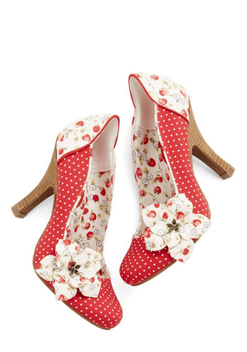 Phrasing Fraises Heel - Mid, Woven, Red, White, Novelty Print, Flower, Wedding, Party, Daytime Party, Vintage Inspired, Darling, Better, Polka Dots