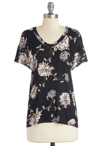 Serene Sketches Top - Black, Black, Short Sleeve, Knit, Mid-length, Tan / Cream, Floral, Casual, Short Sleeves, Spring, V Neck