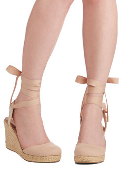 Summer Ease Wedge in Sand
