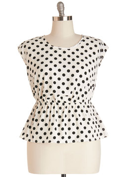 Working for the Weekdays Top in White Dots - Plus Size