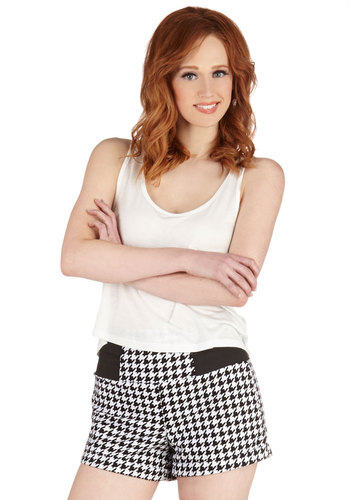Fashion Worth Flaunting Shorts in Houndstooth - High Waist, Good, Black/White, Colored, Printed/Patterned, Denim, Short, Cotton, Houndstooth, Pockets, Variation, White, Casual, Girls Night Out, 80s, Steampunk, Spring, Summer, Ultra High Rise