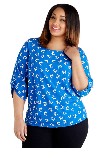 Haute-side the Fox Top in Plus Size - Blue, White, Print with Animals, Casual, 3/4 Sleeve, Woven, Woodland Creature