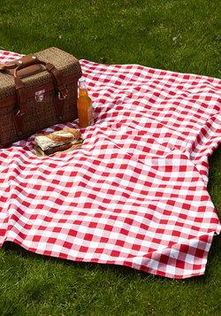 Backyard Bliss Picnic Blanket