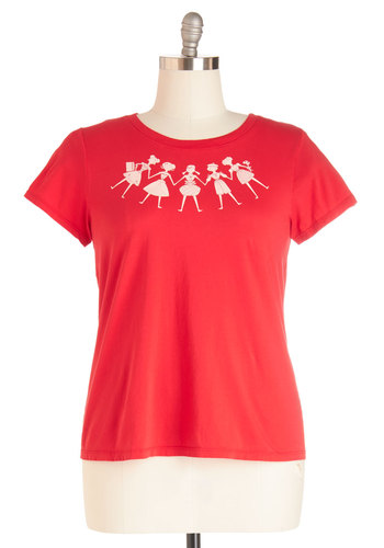 Global Garland Tee in Plus Size - Cotton, Knit, Red, White, Novelty Print, Casual, Crew, Holiday