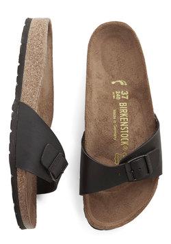 Zest Foot Forward Sandal in Black