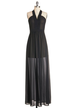 Radiant Resort Dress in Noir