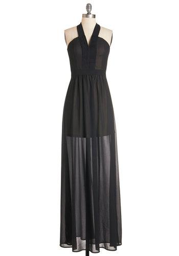 Radiant Resort Dress in Noir
